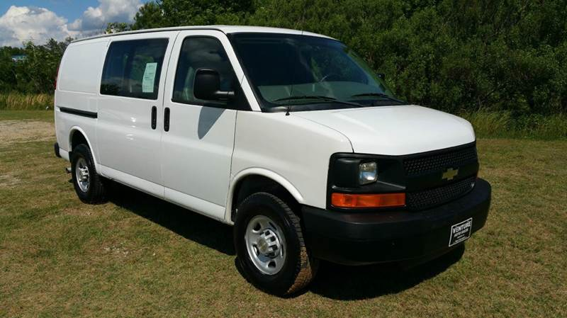 2007 CHEVROLET 3500 EXPRESS CARGO 3DR EXPRESS CARGO VAN white this van has some really nice adria