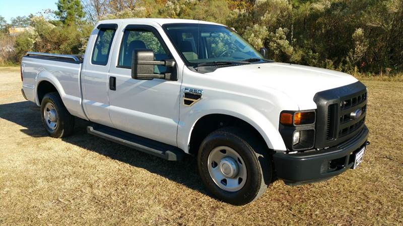 2009 FORD F-250 SUPER DUTY XL 4X2 4DR SUPERCAB 68 FT SB P white one owner exceptionally clean