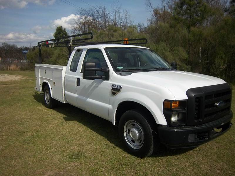 2010 FORD F-250 EXT SERVICE TRUCK 4DR EXTENDED SERVICE BODY white do you need a service body that