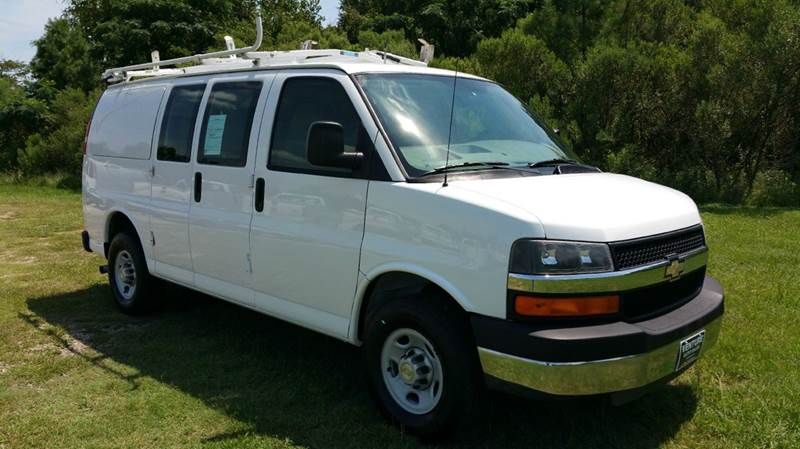 2009 CHEVROLET 3500 EXPRESS CARGO ACCESS VAN ACCESS CARGO VAN white this is an extremely rare van