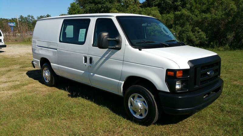2010 FORD E-SERIES CARGO E-150 3DR CARGO VAN white looking for a great cargo van that will work