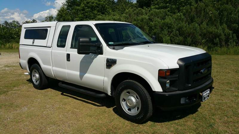 2009 FORD F-250 SUPER DUTY XL 4X2 4DR SUPERCAB 68 FT SB P white extended cab short bed with a