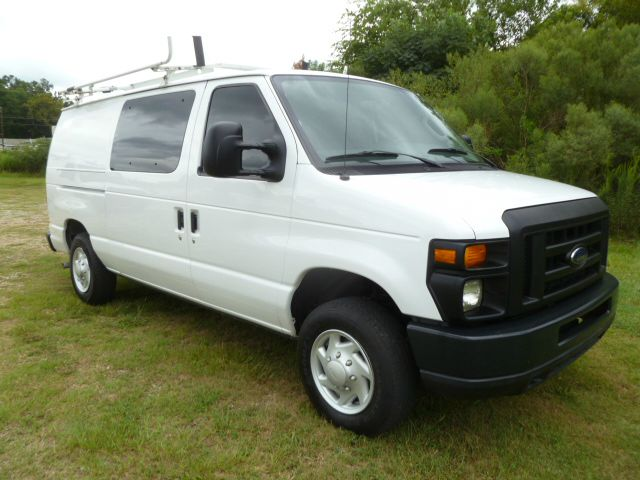 2009 FORD E-150 CARGO VAN ECONOLINE CARGO white this van is priced to sell  ready to work for you
