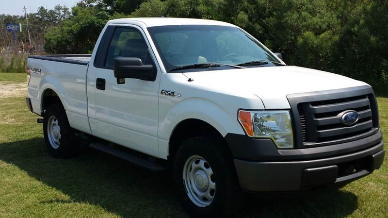 2010 FORD F-150 XL 4X4 2DR REGULAR CAB STYLESIDE white its hunting season  you need a great depe