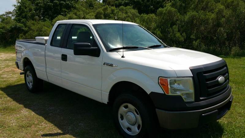 2009 FORD F-150 XL 4X4 4DR SUPERCAB STYLESIDE 6 white looking for a really great hunting truck