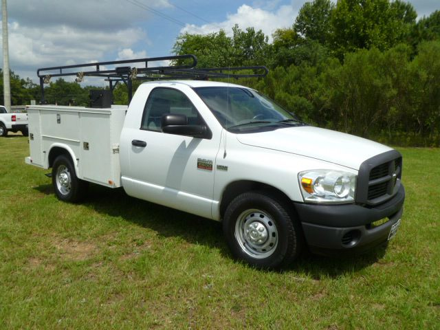 2008 DODGE RAM 2500 SERVICE TRUCK 2DR 2WD white knapheide body that can hold all your tools  make