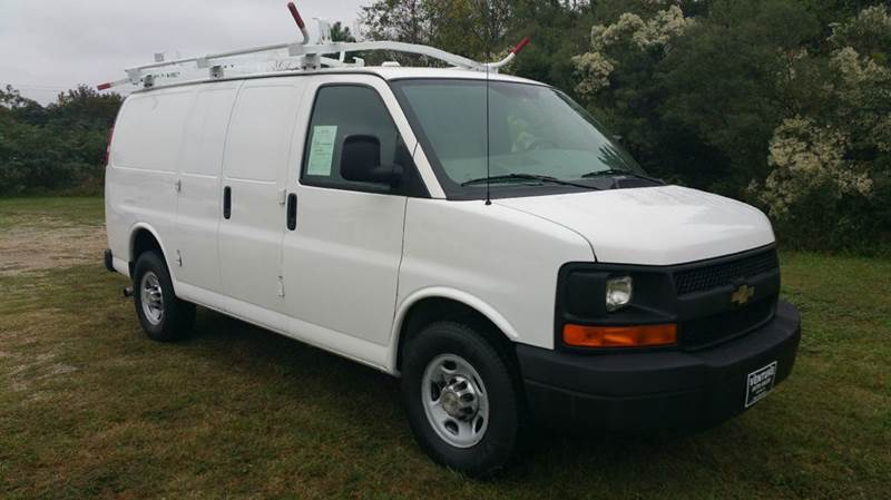 2010 CHEVROLET 2500 EXPRESS CARGO 3DR CARGO VAN white two sides of really nice racks  shelves o