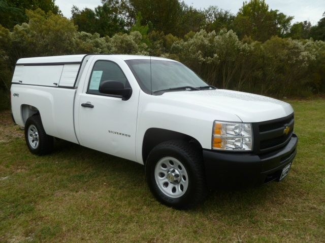2010 CHEVROLET SILVERADO 1500 4X4 LONG BED white extra clean fleet preowned  ready to work for y