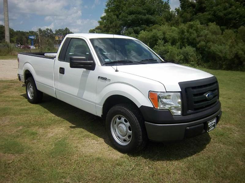 2011 FORD F-150 XL 4X2 2DR REGULAR CAB STYLESIDE white this is a heavy duty half ton truck with