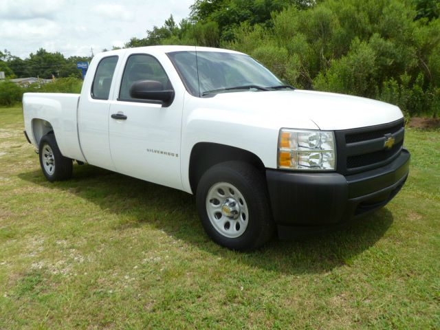 2008 CHEVROLET SILVERADO 1500 EXTENDED CAB white extended cab with a short bed cloth seats with a