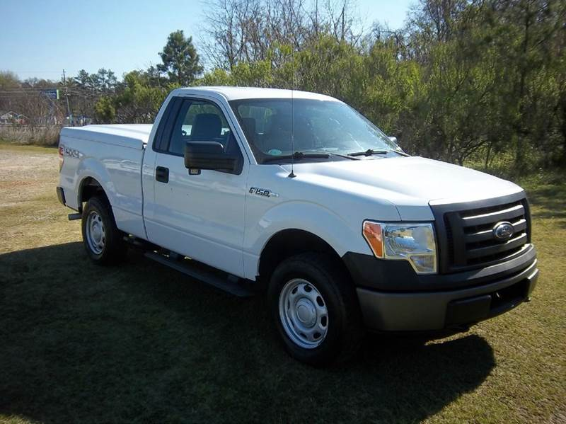 2011 FORD F-150 XL 4X4 2DR REGULAR CAB STYLESIDE white this truck is exceptionally sharp 4x4 r