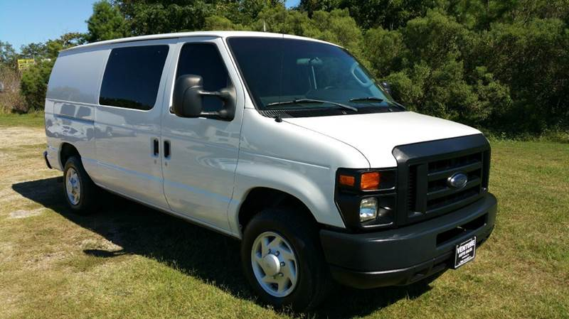 2009 FORD E-SERIES CARGO E-150 3DR CARGO VAN white looking for a great quality fleet preowned va