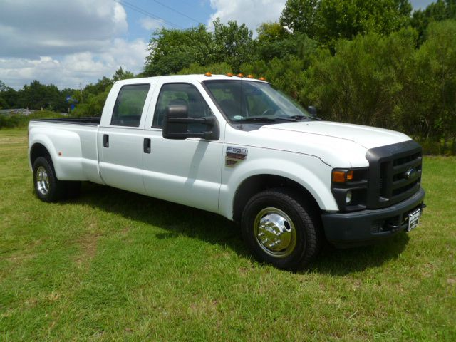 2010 FORD F-350 SUPER DUTY XL 4X2 4DR DIESEL DRW white if you want a great work truck that will wo