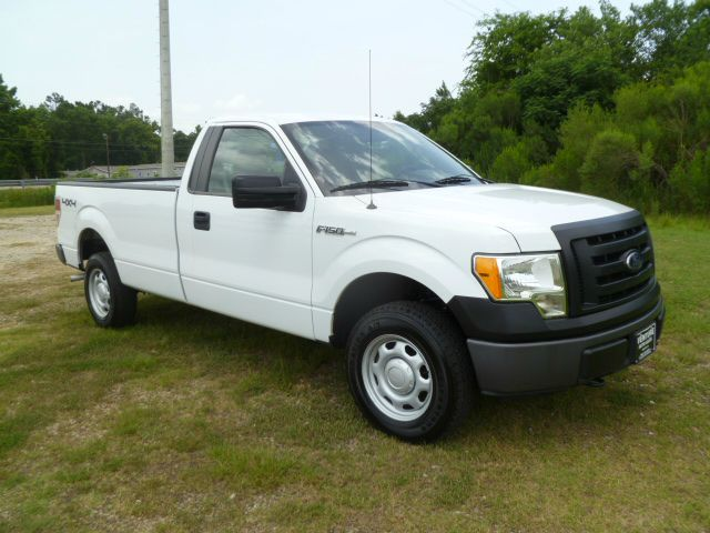 2010 FORD F-150 XL 4X4 REG CAB LONG BED white 4x4 regular cab long bed this truck is ready for hu