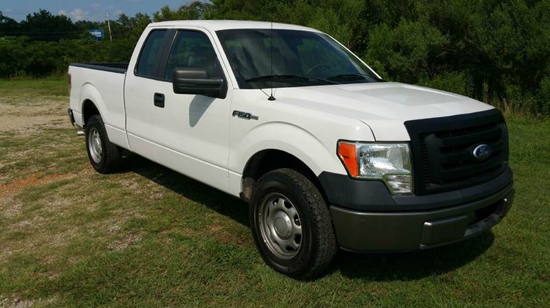 2010 FORD F-150 XL 4X2 4DR SUPERCAB STYLESIDE 6 white exceptionally clean inside  out this is