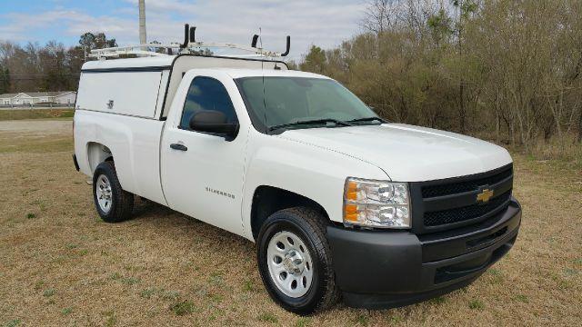 2011 CHEVROLET SILVERADO 1500 4X2 2DR REGULAR CAB 8 FT LB white one owner fleet truck that has be