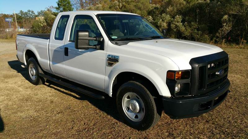 2009 FORD F-250 SUPER DUTY XL 4X2 4DR SUPERCAB 68 FT SB P white what a great work truck this w