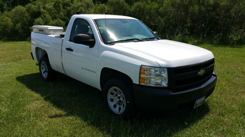 2008 CHEVROLET SILVERADO 1500 2WD 2DR REGULAR CAB 65 FT SB white this is a great truck that wil