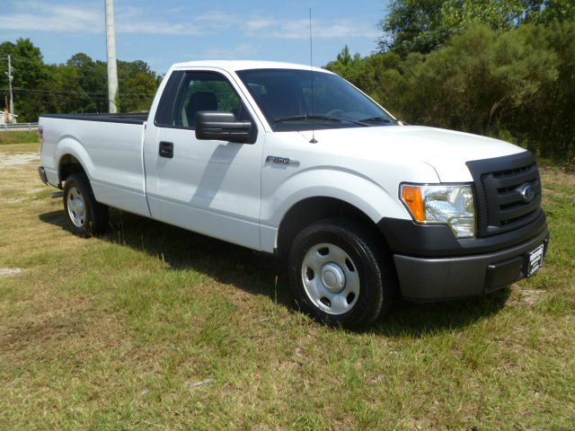 2009 FORD F150 XL LONG BED 2WD white this is a sharp looking truck new body style long bed reg