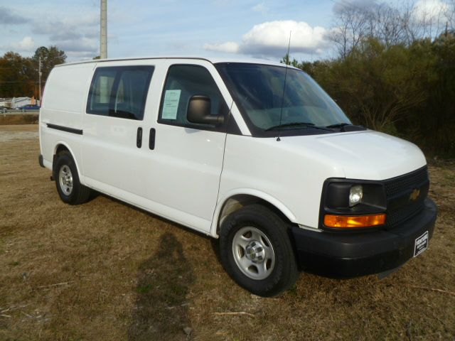 2008 CHEVROLET EXPRESS 1500 CARGO white fleet preowned  very well maintained bulkhead for your