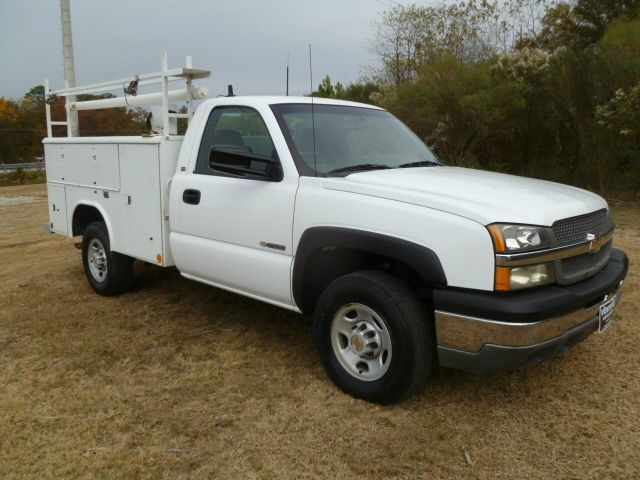2003 CHEVROLET SILVERADO 2500 SERVICE TRUCK 2WD REG CAB white reading service body with lots of ni