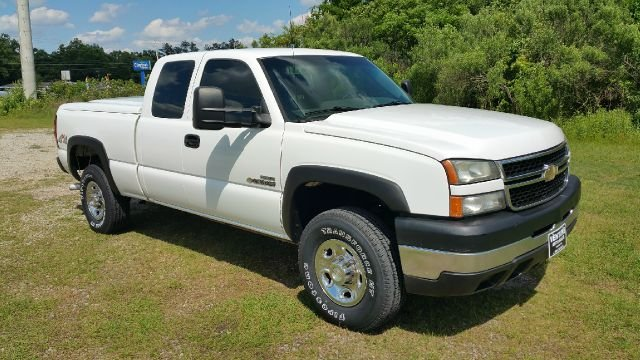 2007 CHEVROLET SILVERADO 2500HD CLASSIC LS 4DR EXTENDED CAB 4WD SB white diesel duramax allison