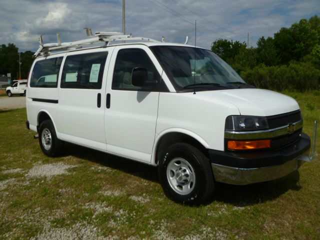 2009 CHEVROLET EXPRESS 3500 CARGO white 2 sides of really nice adrian steel shelves  drawers dr