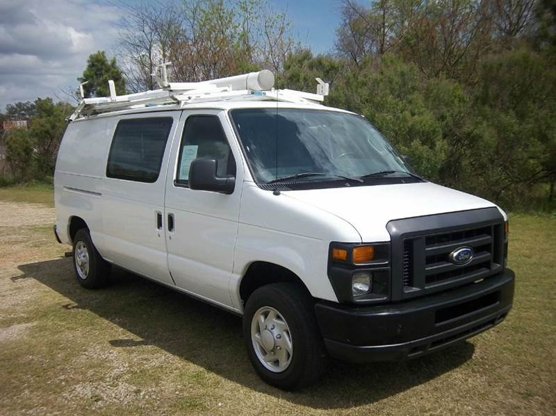 2014 FORD E-SERIES CARGO 3DR CARGO VAN white this is truly a like new van without the new price