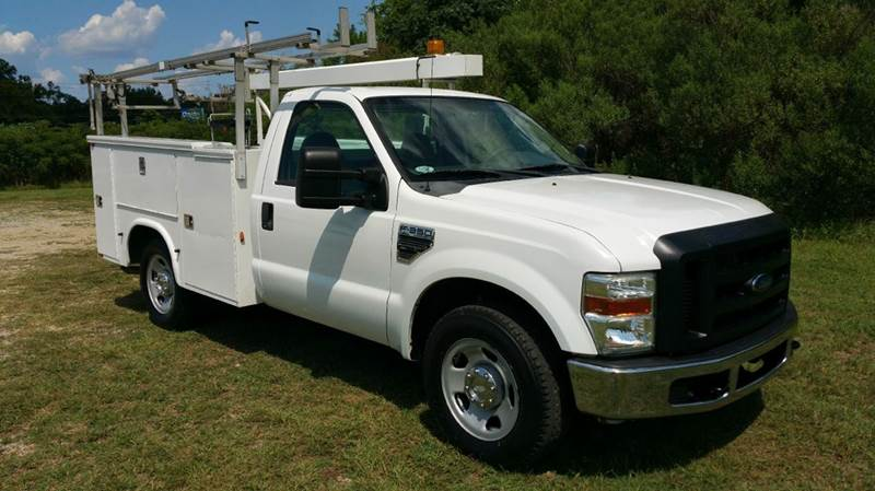 2009 FORD F350 XL SERVICE BODY 2DR 2WD SRW white if you like to be organized than this is your tr