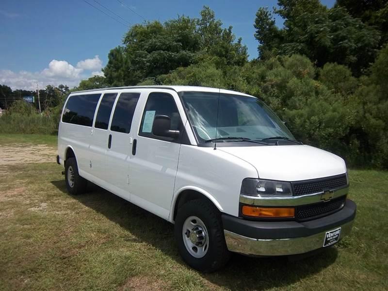 2014 CHEVROLET EXPRESS PASSENGER LT 3500 3DR EXTENDED 15 PASSENGE white this is a 15 passenger va