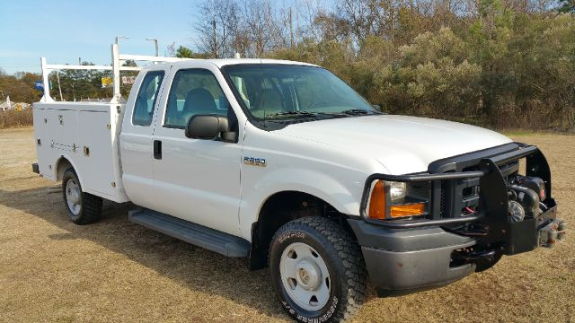 2006 FORD F-250 XL EXT SERVICE TRUCK 4DR 4X4 EXTENDED white one of a kind  extremely hard to find
