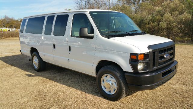 2009 FORD E-SERIES WAGON E350 SD XL 15PASS  3DR EXTENDED white 15 passenger seating for those larg