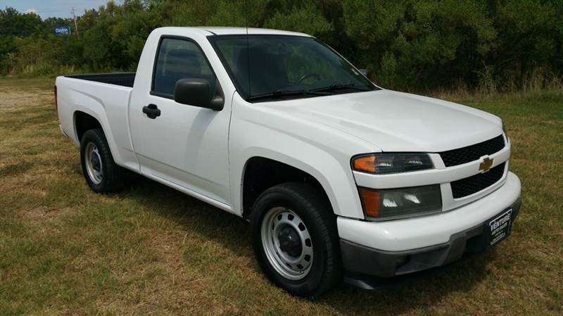 2011 CHEVROLET COLORADO 4X2 2DR REGULAR CAB white this is not your average small work truck thi