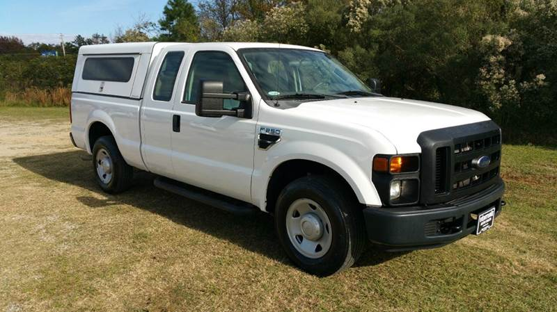 2009 FORD F-250 SUPER DUTY XL 4X2 4DR SUPERCAB 68 FT SB P white this is the ultimate work truck