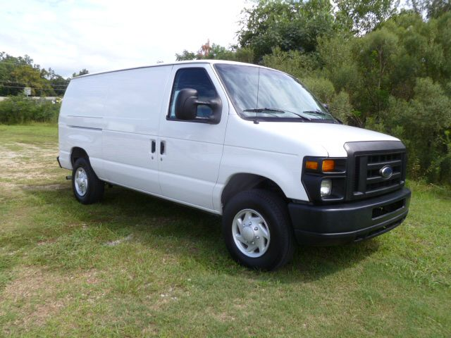 2008 FORD E-250 CARGO 3DR CARGO VAN white extra clean  very well maintained one owner cargo van w