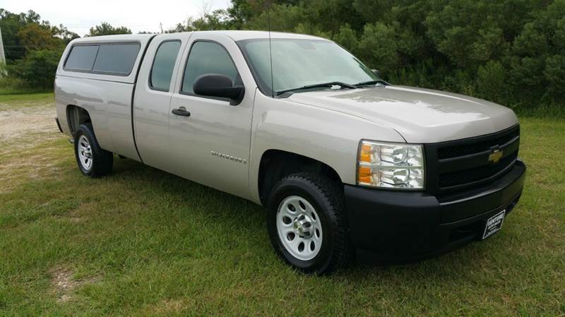 2008 CHEVROLET SILVERADO 1500 2WD 4DR EXTENDED CAB 8 FT LB silver the color on this truck is rea