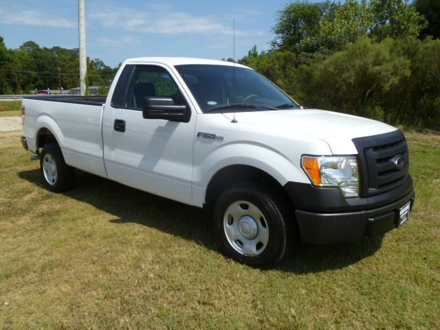 2009 FORD F150 XL LONG BED 2WD white extra clean 1 owner long bed that has been well maintained