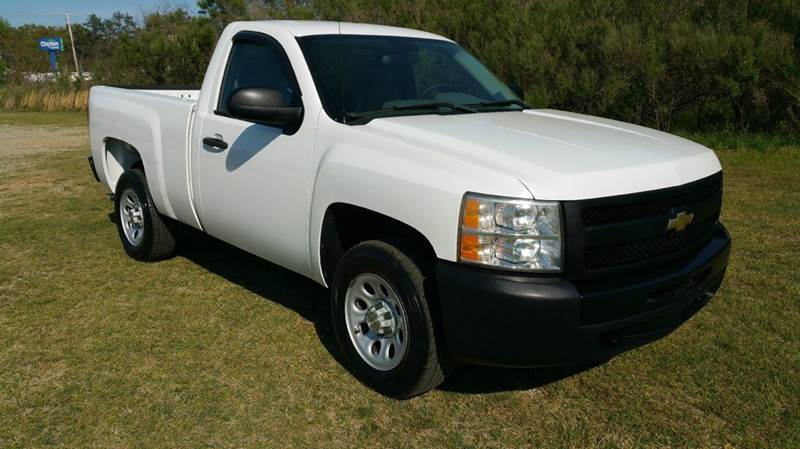 2009 CHEVROLET SILVERADO 1500 4X2 2DR REGULAR CAB 65 FT SB white looking for a regular cab sho