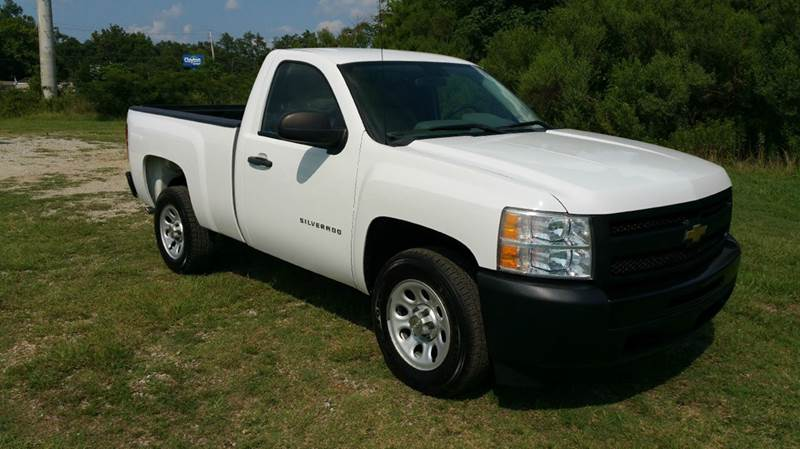 2011 CHEVROLET SILVERADO 1500 4X2 2DR REGULAR CAB 65 FT SB white this truck is exceptionally cl