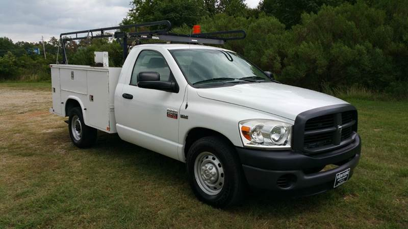 2008 DODGE RAM 2500 SERVICE TRUCK 2DR 2WD white really nice knapheide body with a large ladder ra