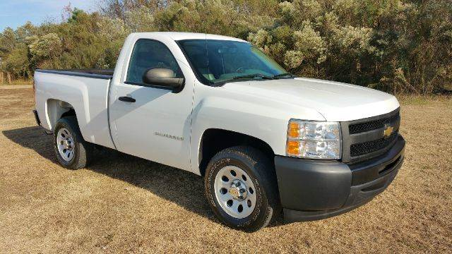 2011 CHEVROLET SILVERADO 1500 4X2 2DR REGULAR CAB 65 FT SB white this is one good looking truck