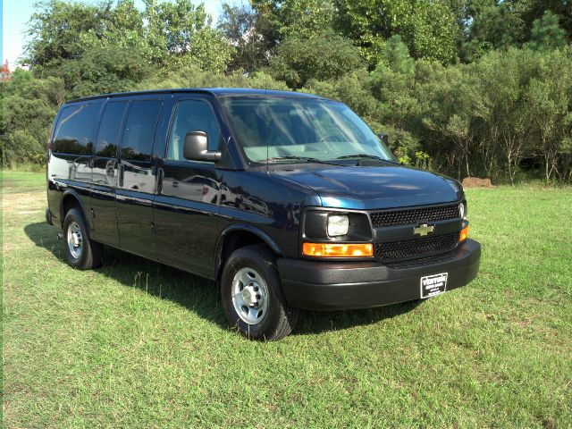 2008 CHEVROLET EXPRESS 2500 EXPRESS 12 PASS dk blue extra clean with very low miles 12 passenger