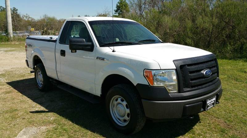 2010 FORD F-150 XL 4X4 2DR REGULAR CAB STYLESIDE white get ready for hunting season with this rea