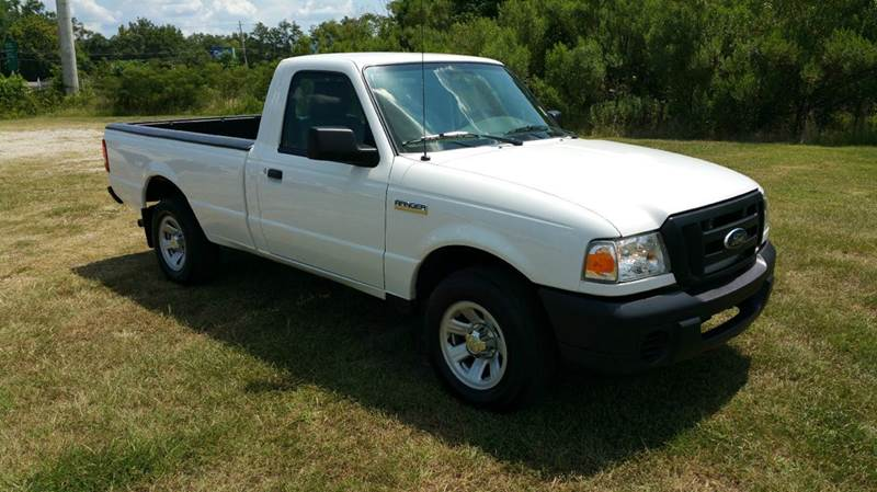 2011 FORD RANGER XL 4X2 2DR REGULAR CAB LB white this is a really nice truck long bed reg cab