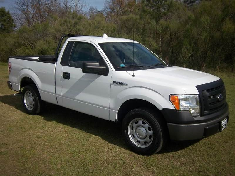 2012 FORD F-150 XL 4X2 2DR REGULAR CAB STYLESIDE white looking for a like new vehicle without a n