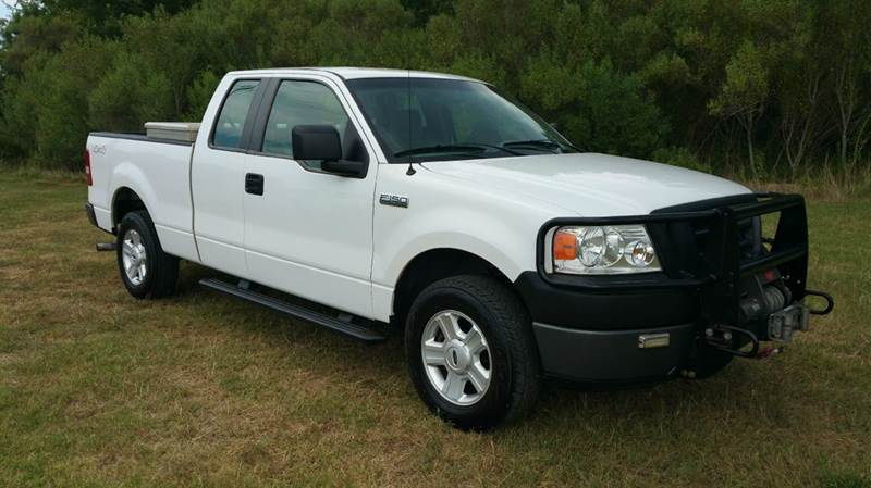 2008 FORD F-150 XL 4X4 4DR SUPERCAB STYLESIDE 6 white if you like off roading this is your truck