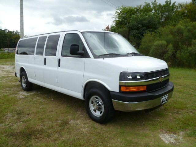 2008 CHEVROLET G3500 LS 15 PASSENGER VAN white 15 passenger seating this van is ready for those l