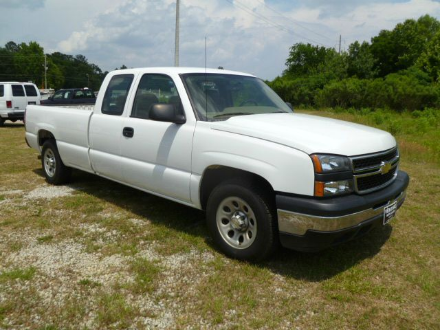 2006 CHEVROLET SILVERADO 1500 LS EXT CAB LONG BED 2WD white extremely low miles for a 2006 chevy