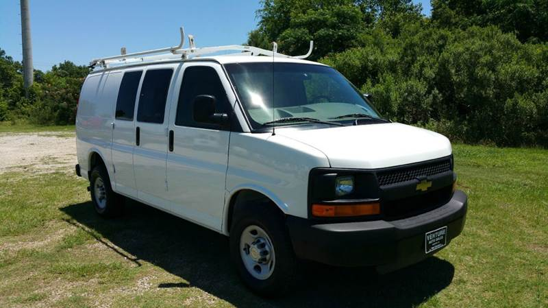 2007 CHEVROLET 3500 EXPRESS CARGO 3DR EXPRESS CARGO VAN white 2 sides of nice adrian steel shelve