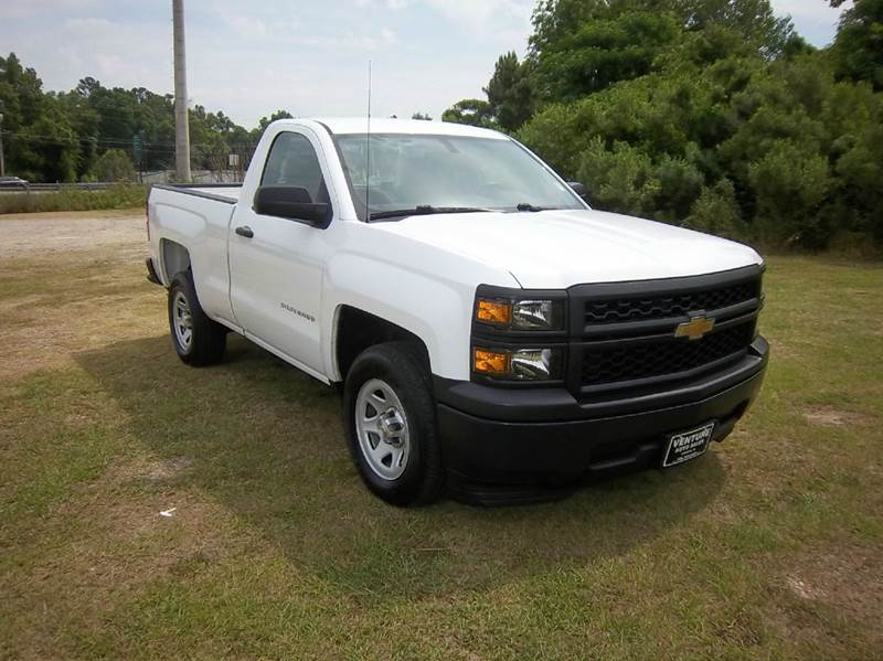 2014 CHEVROLET SILVERADO 1500 4X2 2DR REGULAR CAB 65 FT SB white looking for a like new truck
